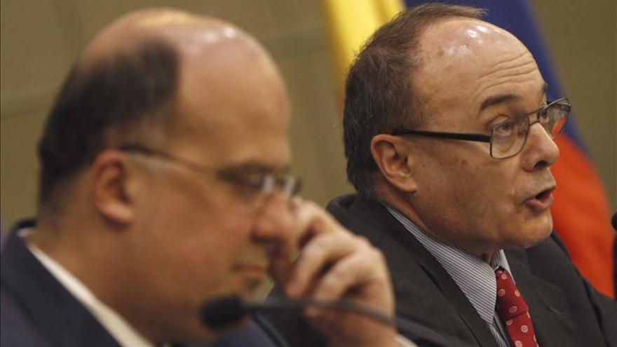 El gobernador del Banco Central de Colombia destaca la fortaleza económica de su país