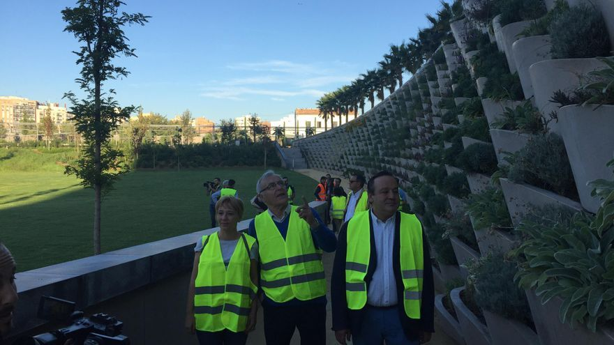 Ribó, Sarrià y Soriano durante la visita al Parque Central