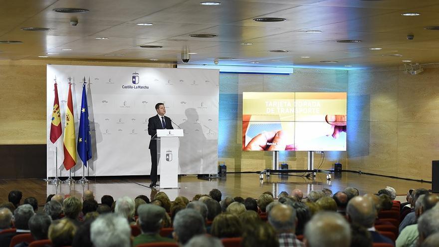 Emiliano García Page ha presidido el acto de presentación del programa de turismo social 'Mayores Activos' y de laTarjeta Dorada en Albacete.