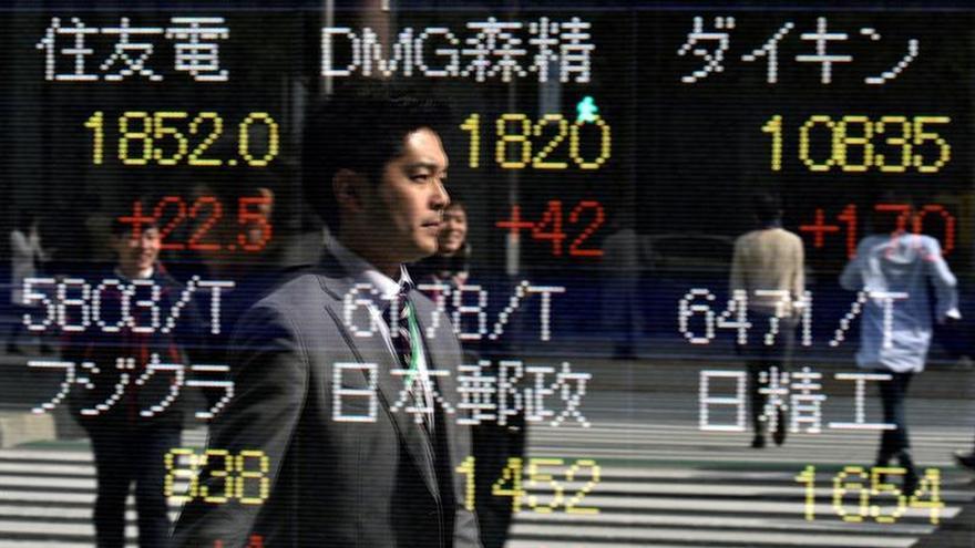 La Bolsa de Tokio retrocede un 0,56 % en la apertura