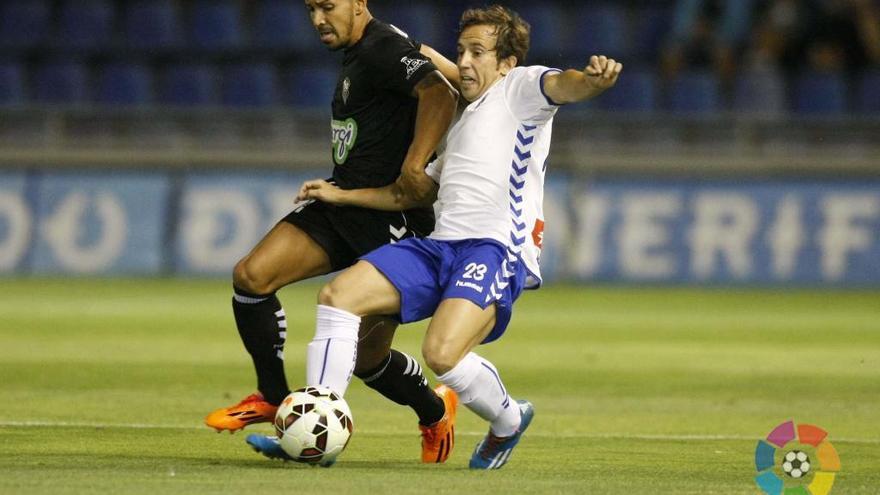"Raúl Cámara: ""Queremos empezar a sumar fuera de casa"". Club Deportivo Tenerife/LFP"