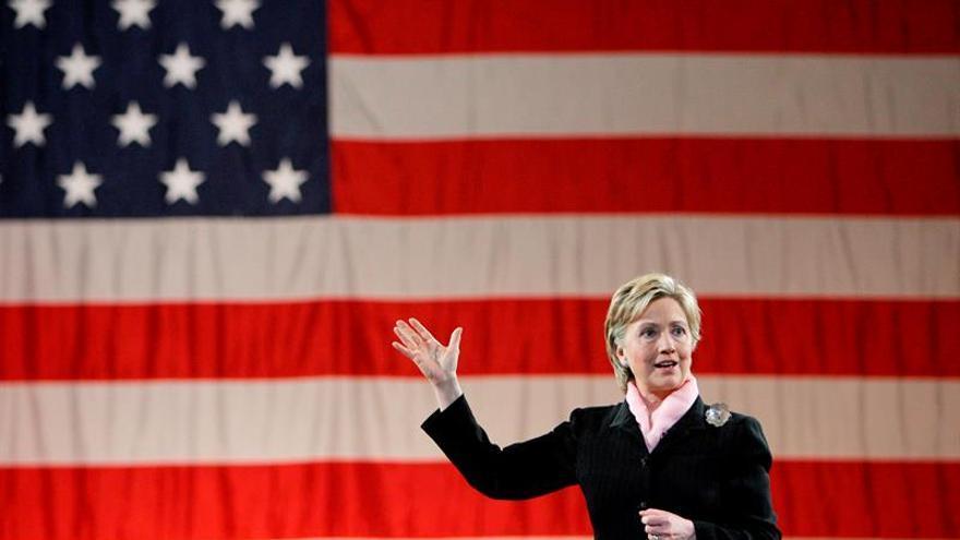 """Clinton lamenta la matanza de Dallas y Trump pide un liderazgo """"más fuerte"""""""