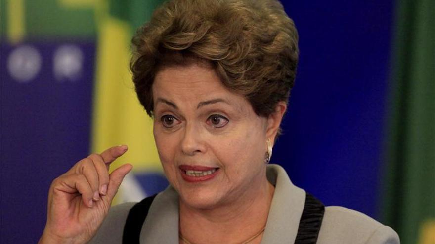 "Rousseff dice que Brasil superará sus ""dificultades"" económicas a corto plazo"