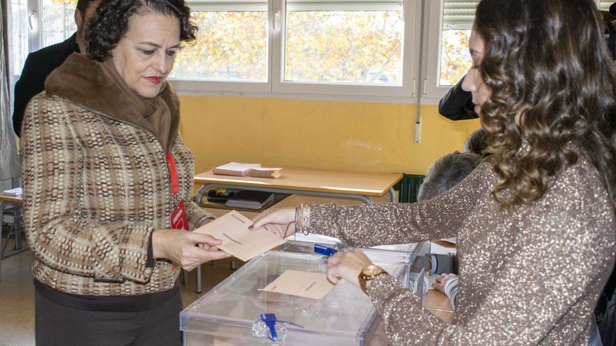 Magdalena Valerio vota en Guadalajara