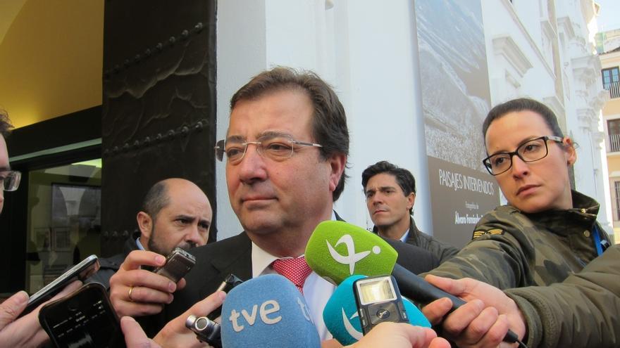 """Fernández Vara rechaza entrar en """"especulaciones"""" sobre una hipotética moción de censura al PP en la ciudad de Badajoz"""