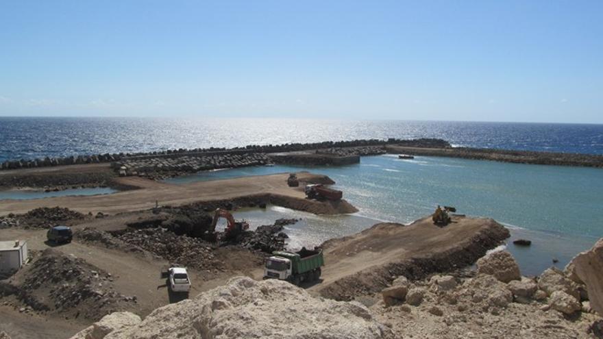Obras en el Puerto de Granadilla. (OBSERVATORIO DE GRANADILLA, 7 DE AGOSTO DE 2012)