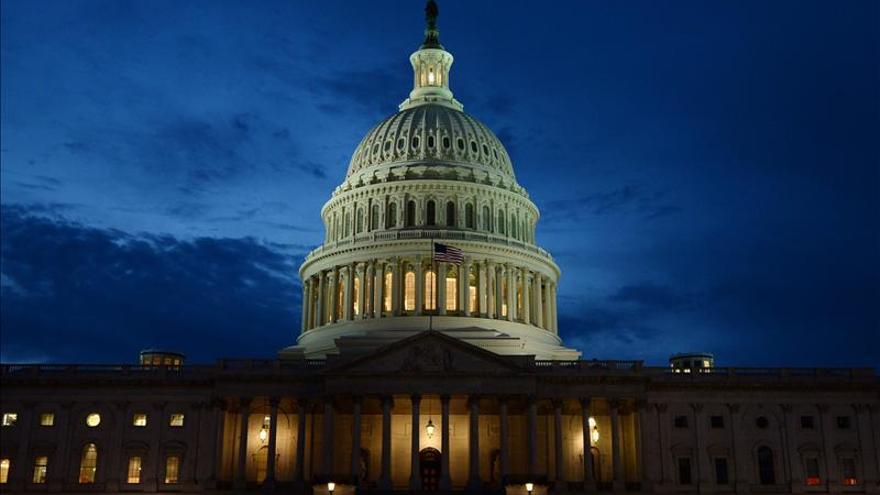 El Congreso de EEUU acuerda un plan de gasto de un billón de dólares