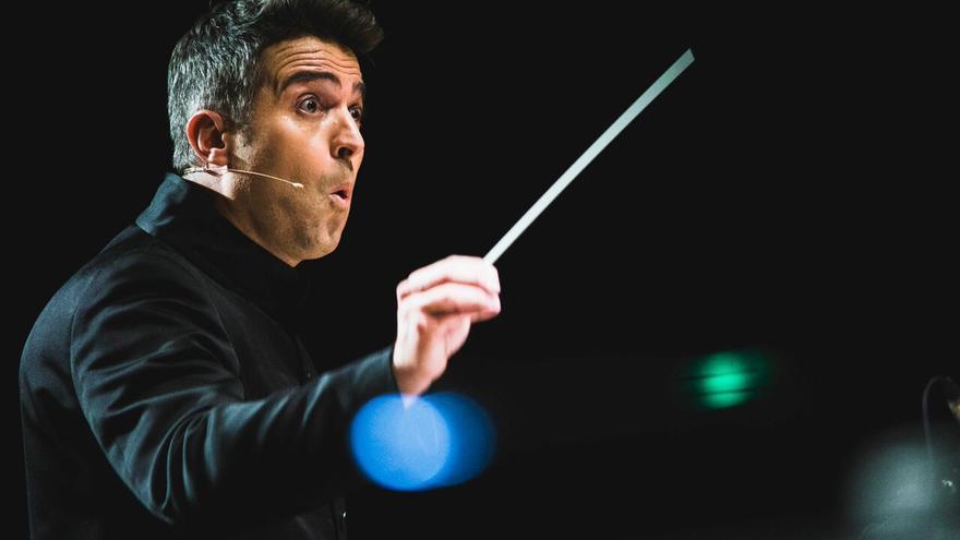 Constantino Martínez-Orts   Film Symphony Orchestra.