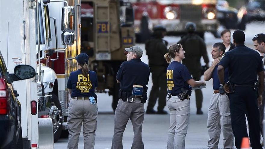 El FBI busca a tres sospechosos de matar a un policía en Chicago (EE.UU.)
