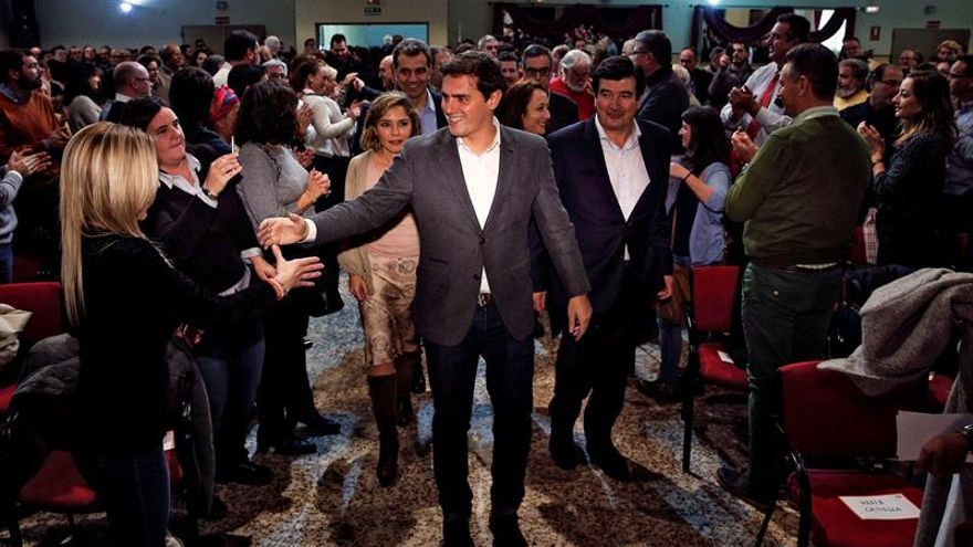 """Rivera pide un debate """"tranquilo"""" sobre la reforma de la financiación"""