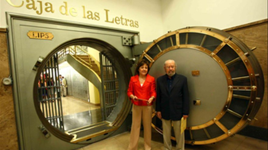 José Manuel Caballero Bonald deposita su legado en la Caja de las Letras