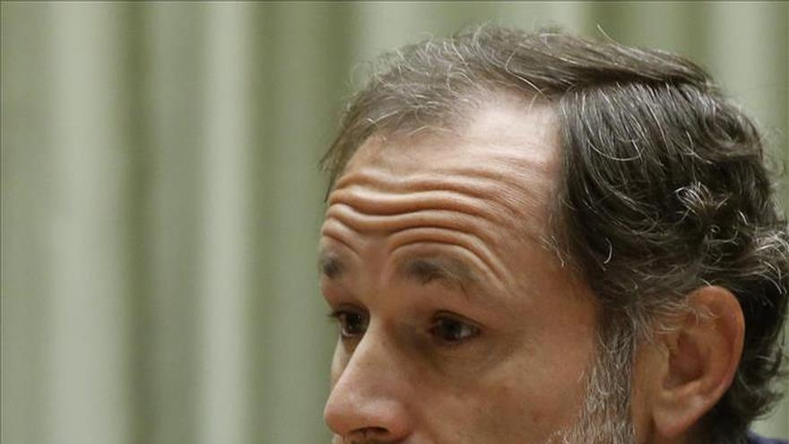 Deja el Gobierno Jaime Pérez Renovales, que ideó la ley de la sucesión en la Corona