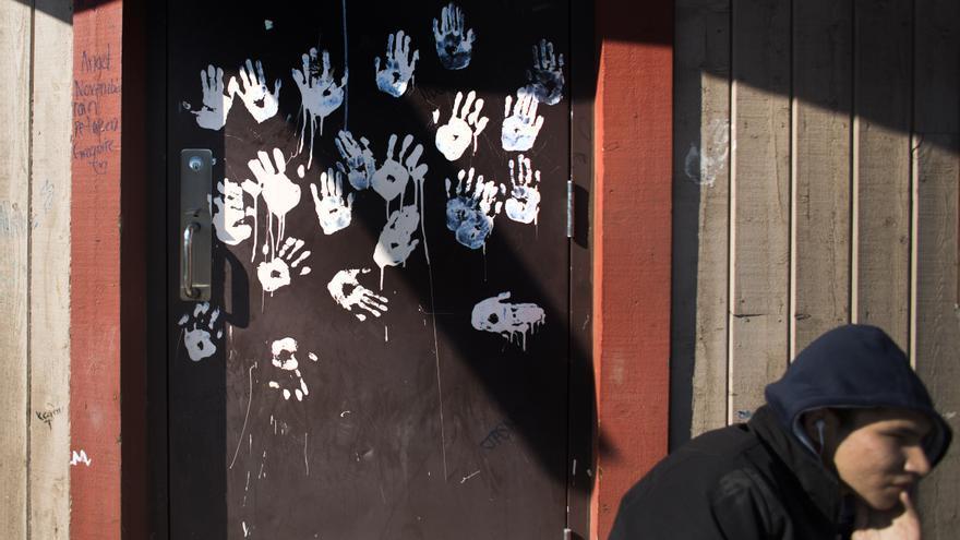 Canadá ha reconocido el maltrato sufrido por jóvenes aborígenes en escuelas-internados décadas atrás, pero los adolescentes de hoy siguen enfrentándose al racismo.