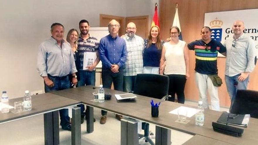 Reunión entre el consejero Jesús Morera con representantes de la Plataforma por una OPE más Justa (@OpeMasJusta)