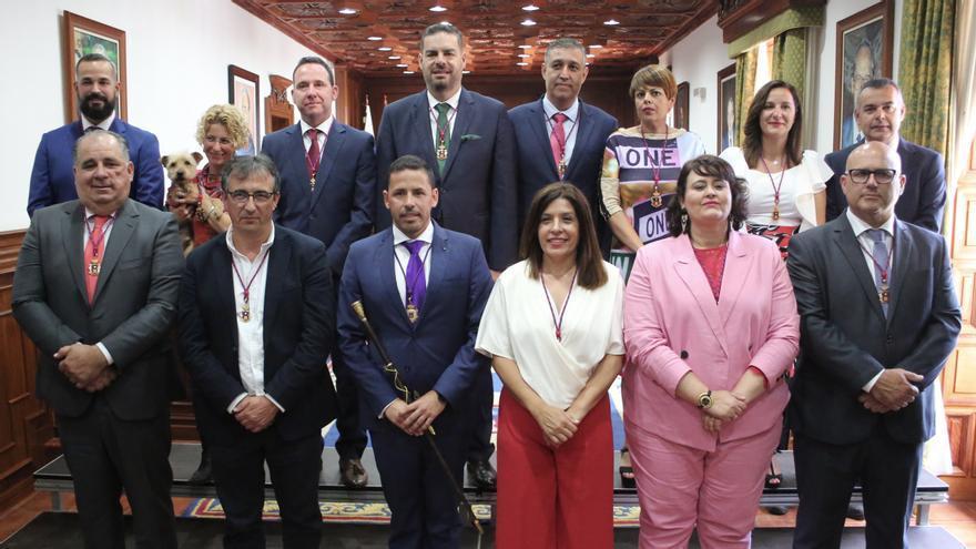 Nuevo grupo de gobierno en Telde, liderado por Héctor Suárez (CC) y Carmen Hernández (NC).