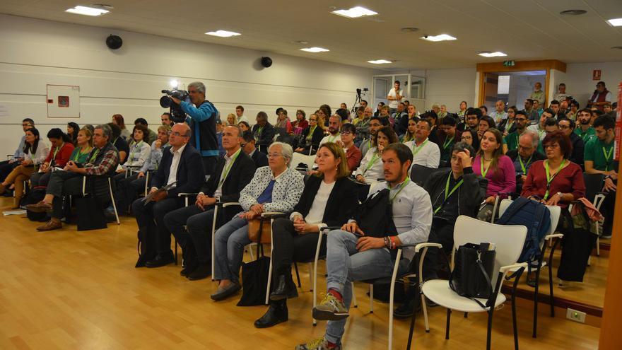 Anselmo Pestana, en el centro (primera fila), este viernes, en la presentación del 'III Seminario Internacional de Astroturismo'.
