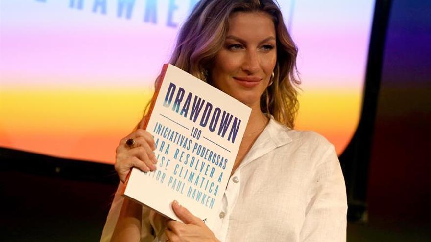 Gisele Bündchen lanza una biografía en Brasil y causa alboroto entre sus aficionados
