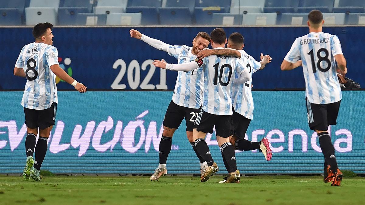 Argentina busca un lugar en las semifinales frente a Ecuador