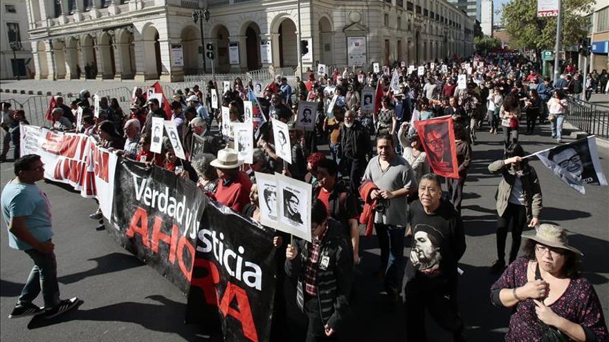 Condenan en Chile a 64 exagentes de Pinochet por víctima de Operación Colombo