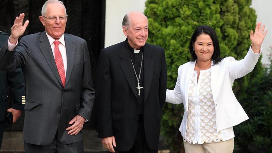 El cardenal peruano muestra su influencia al reunir a Kuczynski y a Fujimori