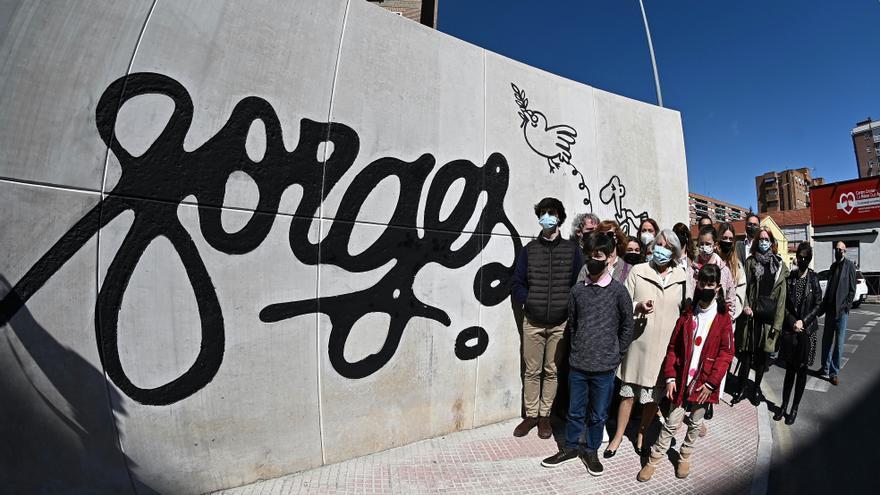 Alcalá de Henares inaugura un monumento y una glorieta dedicados a Forges
