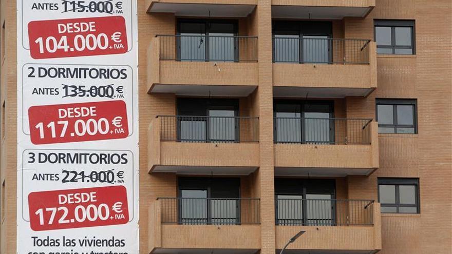 El precio de la vivienda cayó el 10,5 por ciento en abril, según Tinsa