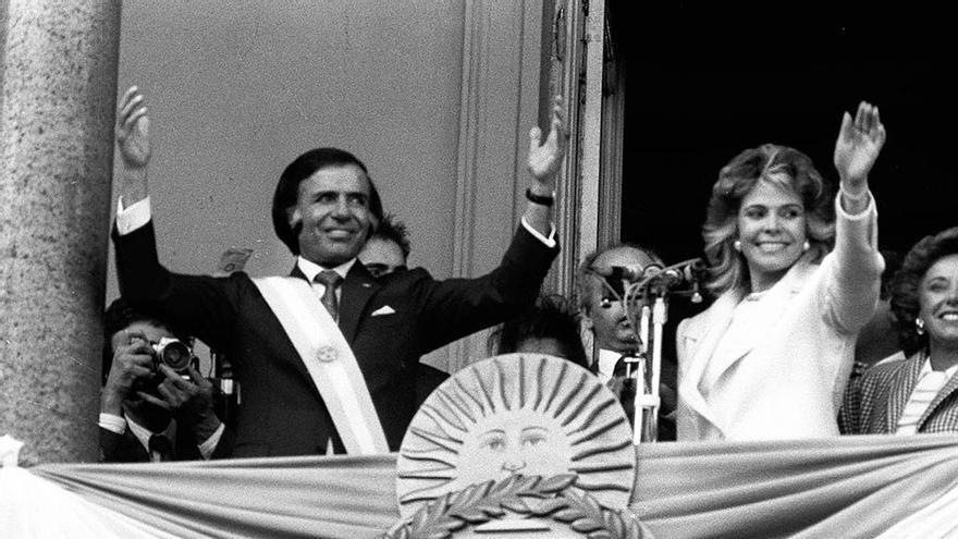 Menem, cuando asumió la presidencia en 1989, junto a su entonces esposa, Zulema Yoma.
