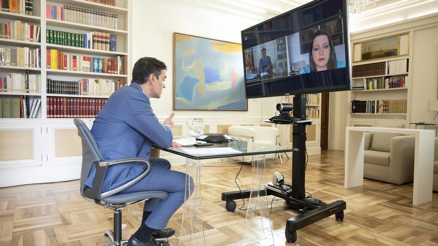 Sánchez y Arrimadas acuerdan compartir información sobre la crisis sanitaria y buscar pactos futuros