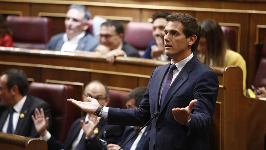 """Rivera afirma que el caso de la portavoz del Govern muestra """"la impunidad del nacionalismo"""" al """"imponer"""" el catalán"""