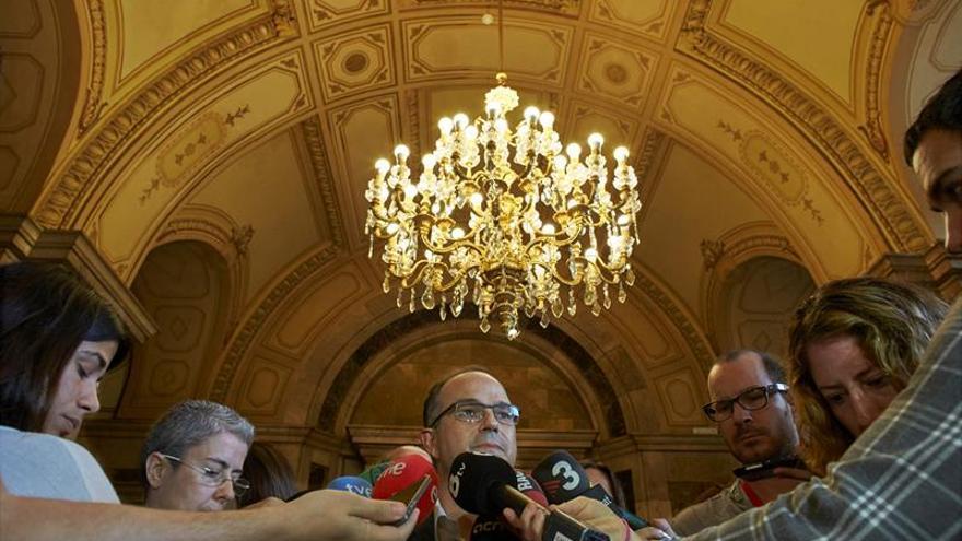 """Junts pel Sí pide """"concentrarse"""" en vía pactada sin descartar unilateralidad"""