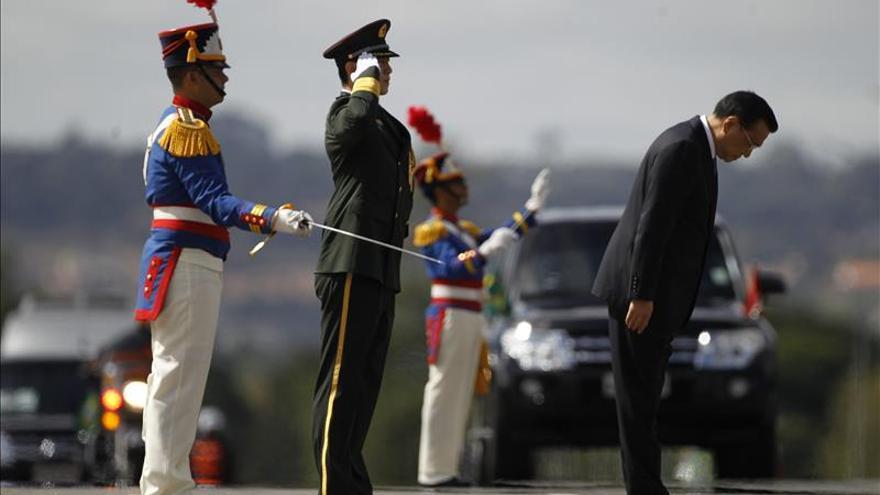 La presidenta brasileña recibe a Li Keqiang en el inicio de su gira suramericana