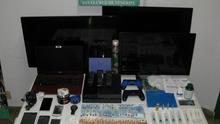 Objetos y dinero incautado por la Guardia Civil de Los Llanos. Foto: Guardia Civil.