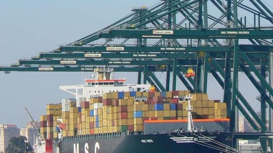 """Los estibadores dicen que hay un """"paro total"""" en los puertos por el masivo seguimiento de la huelga"""