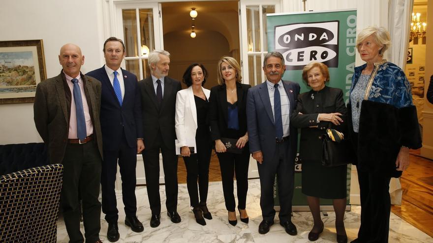 """Revilla afirma que la sociedad de Cantabria está hecha de """"mujeres heroicas"""""""