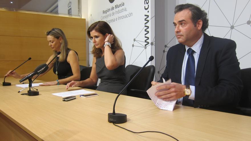 Tres altos cargos de Murcia dimiten, pero defienden su honorabilidad y hablan de tremenda injusticia