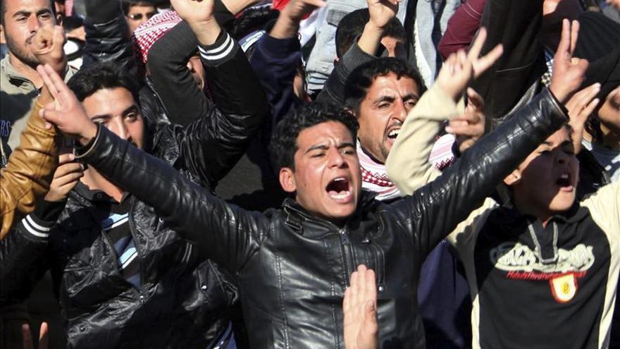 Miles de suníes salen de nuevo a las calles contra el Gobierno iraquí