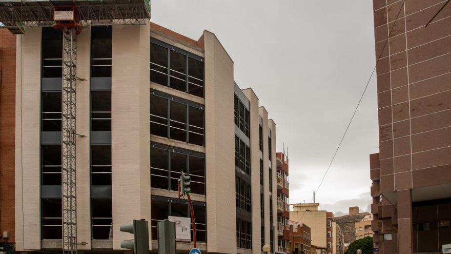 Edificio todavía sin construir tras el terremoto de Lorca de 2011/ CARLOS TRENOR