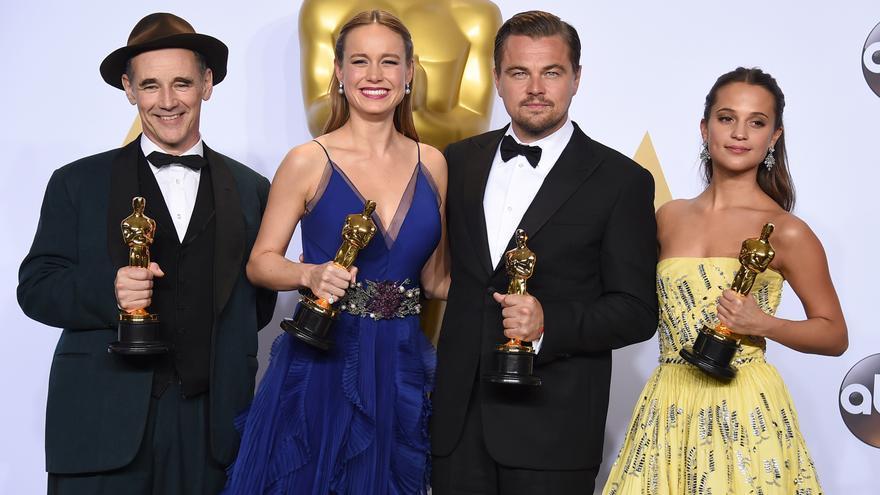 Mark Rylance, Brie Larson, Leonardo DiCaprio y Alicia Vikander en los Oscar 2016 \ Foto: Jordan Strauss/Invision/AP