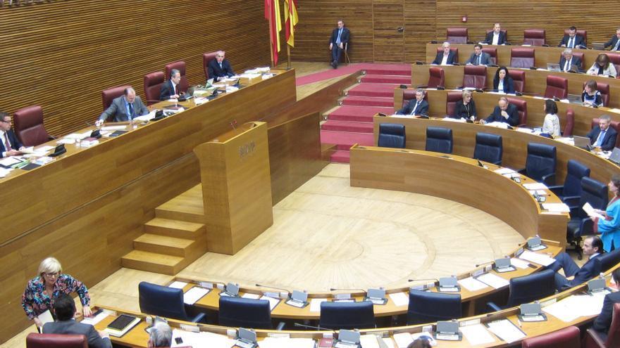 """El PP rechaza en las Cortes valencianas crear un impuesto a la banca porque considera que """"encarecería los créditos"""""""
