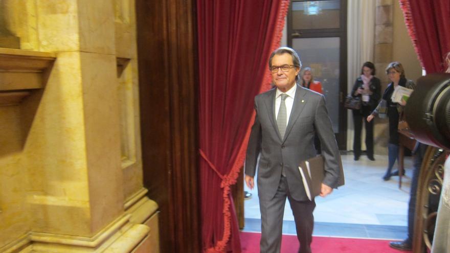 """Mas afirma que a Cataluña le conviene """"un gobierno definitivo sin tardar demasiado"""""""