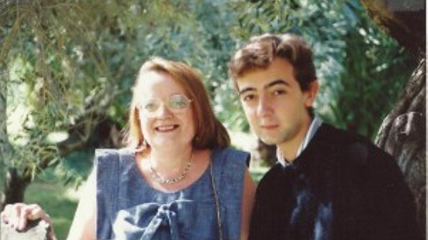 Antonia Espejo y su hijo José Daniel