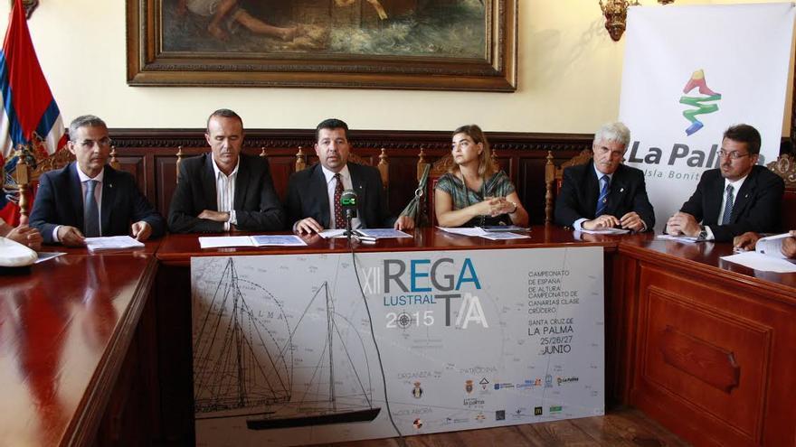 La presentación de XXII Regata  se ha celebrado este martes en el salón de plenos del Ayuntamiento capitalino.