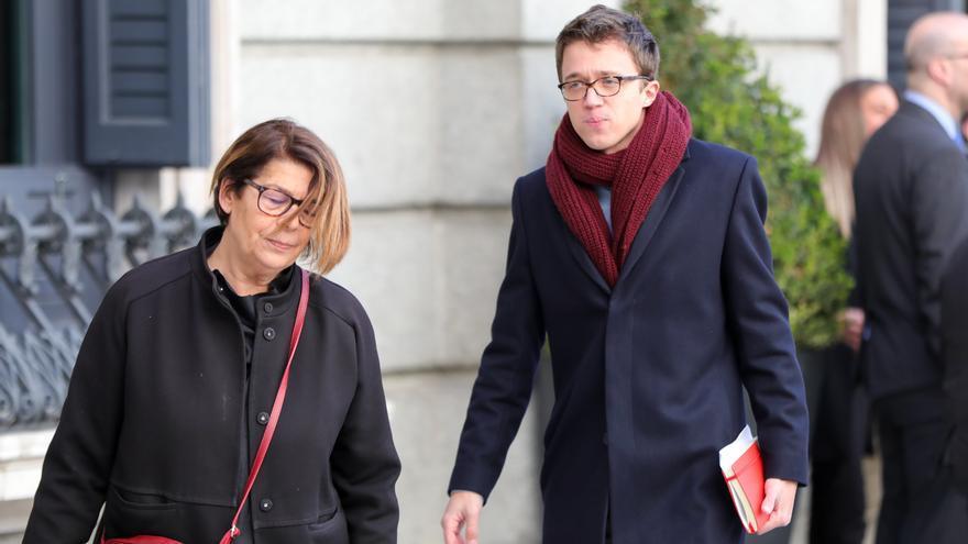 Imagen de recurso de los diputados de Más País Inés Sabanés (i) e Íñigo Errejón en el Congreso de los Diputados, en Madrid (España), a 7 de enero de 2020.