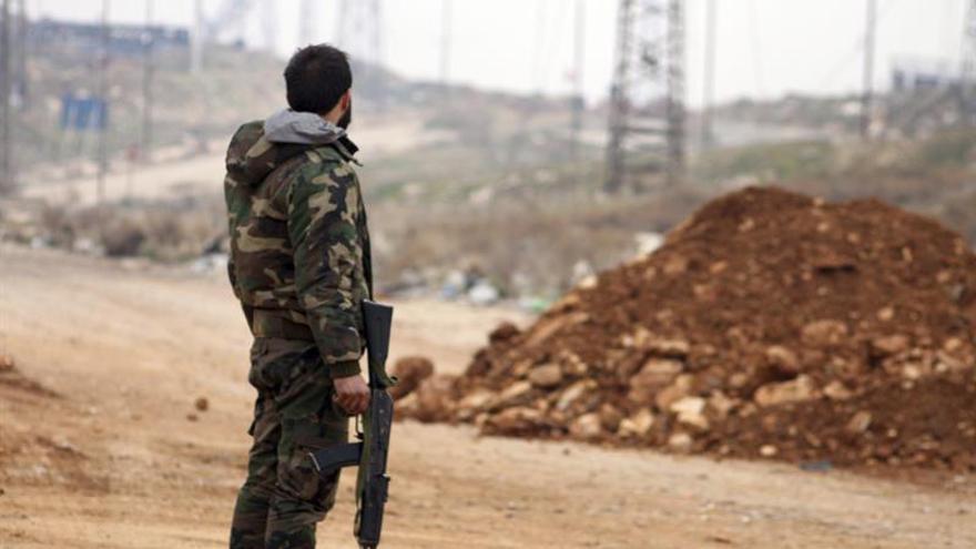 La alianza kurdo-árabe apoyada por EEUU avanza frente al EI en el norte de Siria