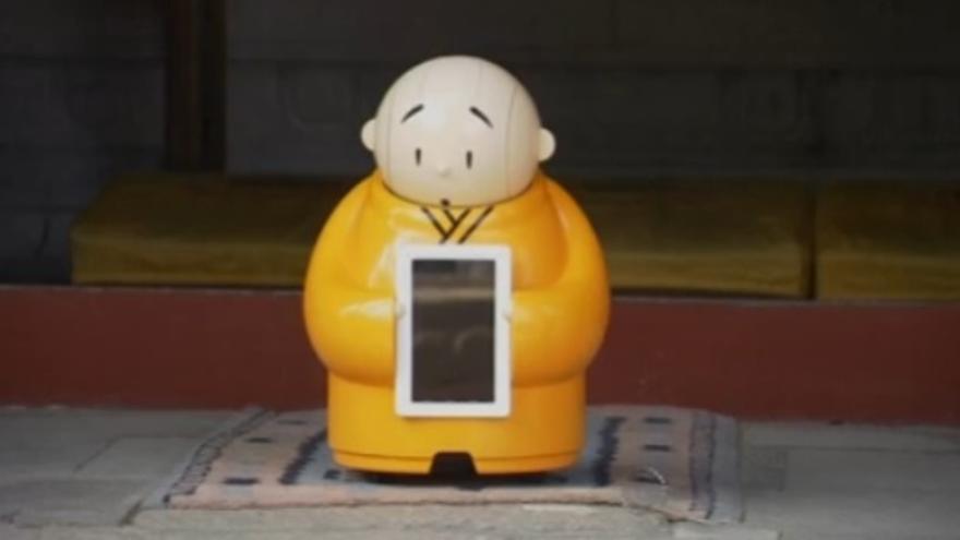 Xian'er, monje budista robot