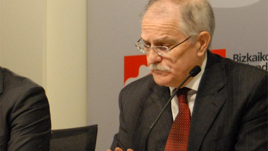 Javier Sotil, en una rueda de prensa en la Diputación de Bizkaia. /Foto:bizkaia.net