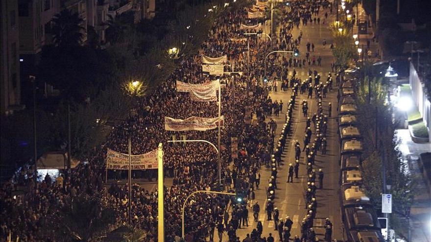Disturbios en Atenas en el 41 aniversario de la revuelta estudiantil