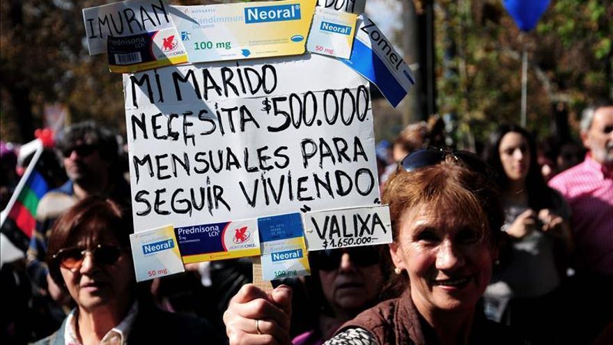 Enfermos se manifiestan en Chile para protestar contra el elevado costo de la salud