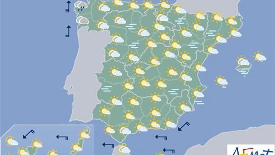 Hoy, nieblas en meseta norte, y viento fuerte en Galicia y en el Estrecho