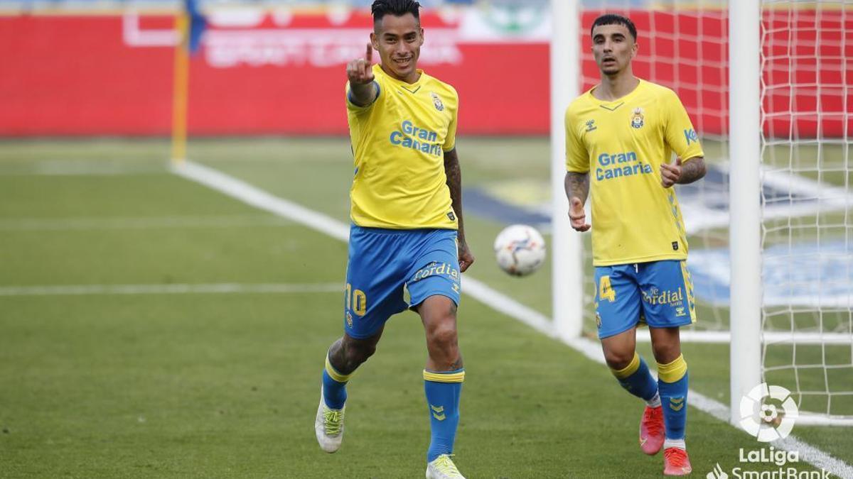 Araujo celebra su gol frente al Málaga